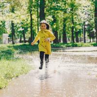 Сегодня дождь - песня про лето