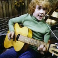 Мы маленькие дети - песня из советского фильма